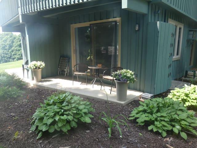 Windcliff- Studio at Summit Village