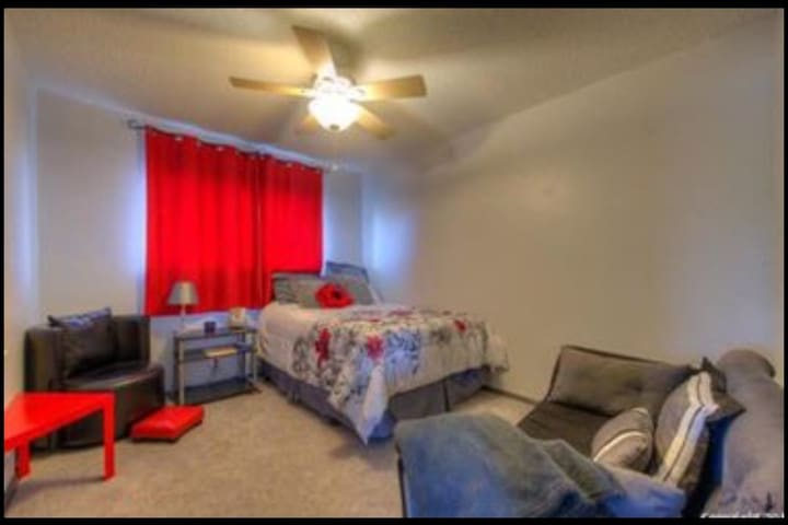 Spacious Room with large loft and full bathroom!