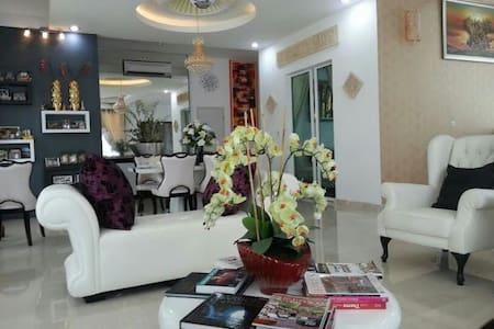 Room Cyberjaya & Putrajaya Central