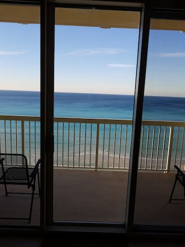 *SPECIALS  Nov & Dec$495/wk Beachfront ocean view!