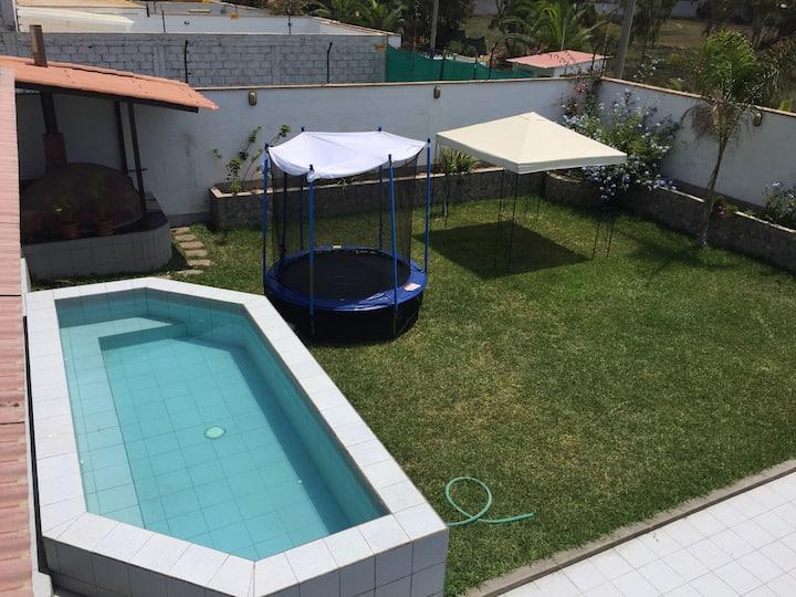Hermosa casa en Chocaya con piscina y 4 cuartos