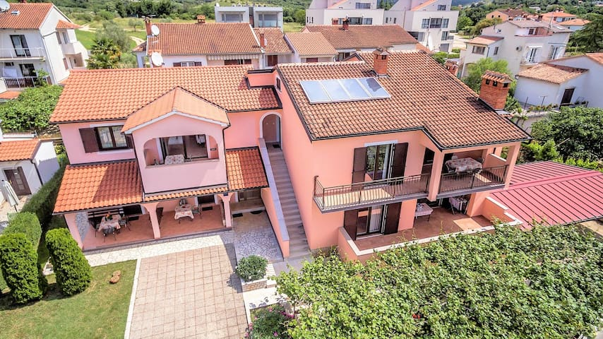 Apartment Complex Silva Rovinj / Apartment Silva V with Balcony and Garden View
