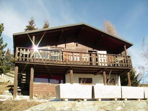 Smuk hytte i nærheden af skiløjperne