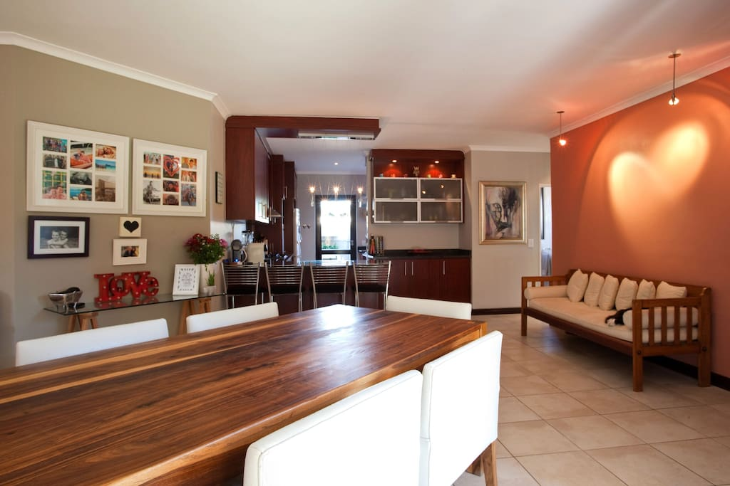 space comfort location h user zur miete in kapstadt. Black Bedroom Furniture Sets. Home Design Ideas