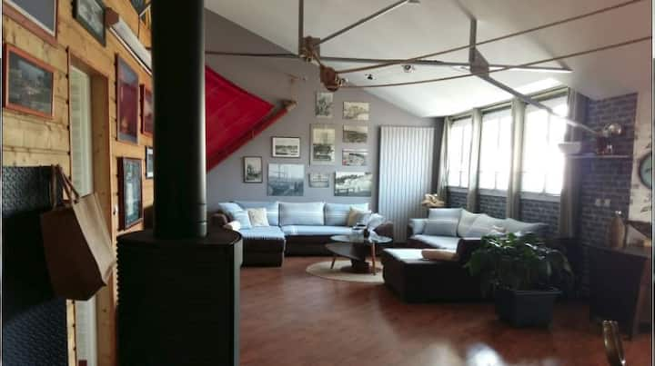 LOFT ATYPICAL for 8 people in 5 mn of the beach