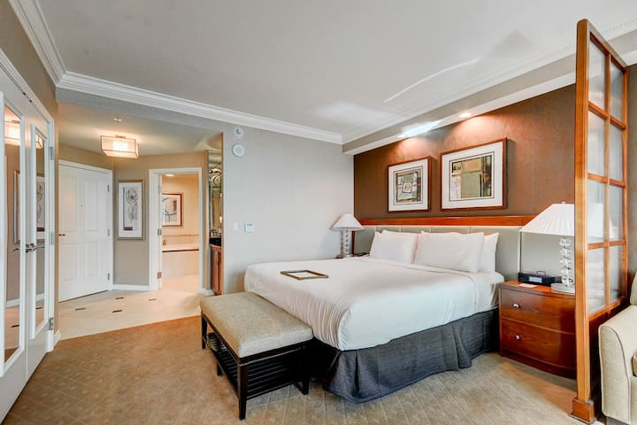 MGM Signature Luxurious Suite LOCATION LOCATION H