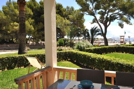 Port Alcudia, acces direct to the beach, A/C and w - Alcúdia - Apartemen