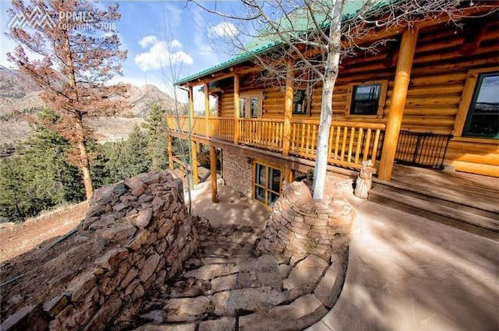 Stunning Views Mountain Retreat - Sedalia - Guest suite