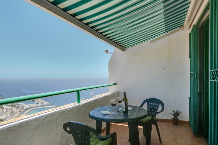 Sindy Monteparaíso Apartment with Shared Pool, Ocean View & Balcony