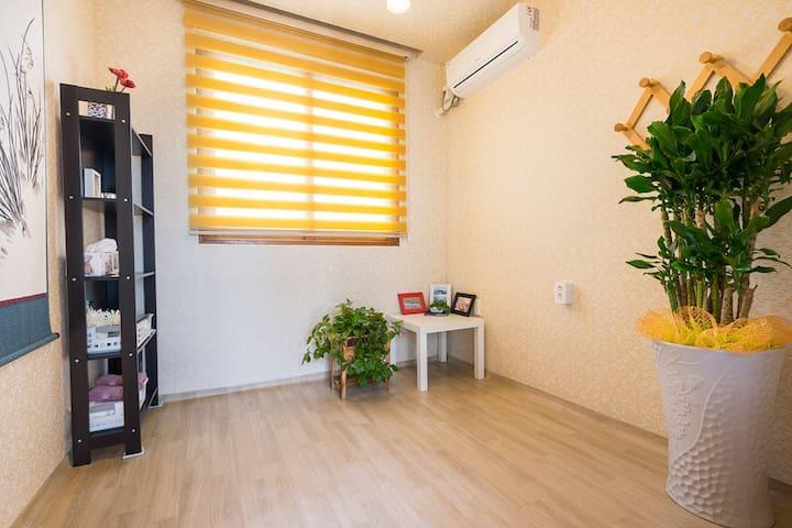 도남관광단지 근처 깨끗한 싱글룸- Cozy Single Room in Tongyeong - Deme 3-gil, Tongyeong-si - Gästehaus