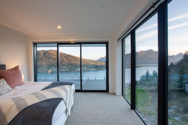 ★ Convenience and comfort ★ Wake up to this view! In all bedrooms the windows are European grade uPVC double glazed, to ensure silence while you sleep.