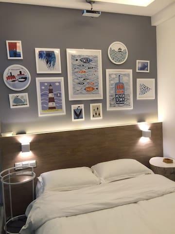乐居轻奢酒店 水床电影房 超大屏幕投影电影 水床床垫