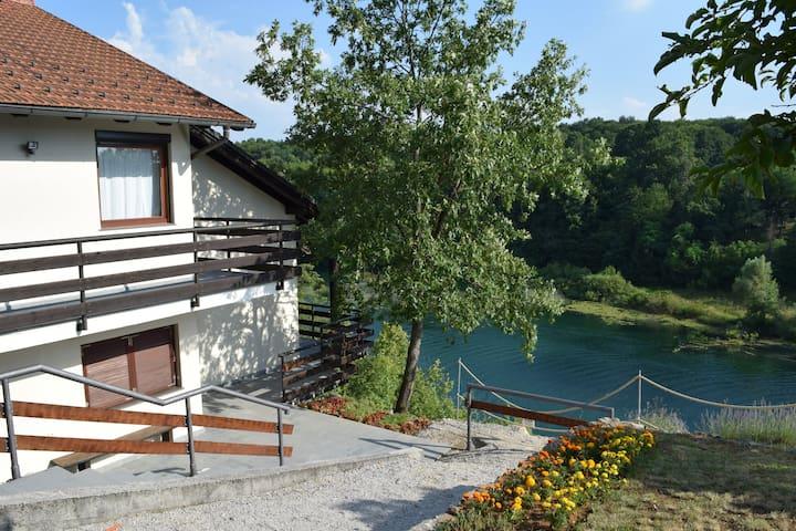 Vila Mila - Donji Zvečaj