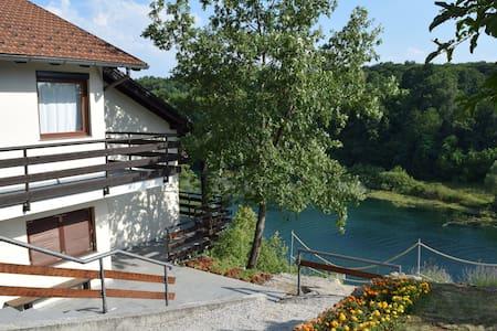 Vila Mila - Donji Zvečaj - วิลล่า