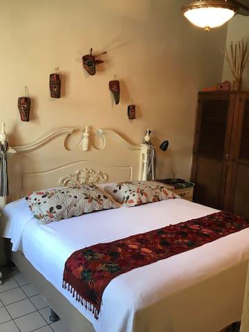 Room in Central Antigua