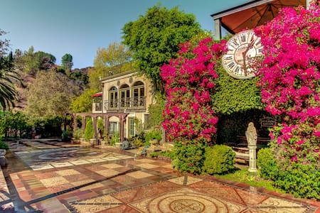 TheHoudiniEstate - Los Angeles