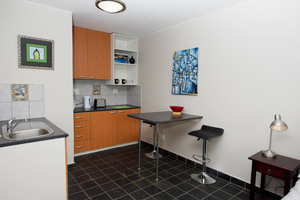 Fully equipped kitchenette.