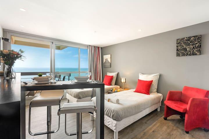 Victoria surf / Front de mer / Balcon / piscine