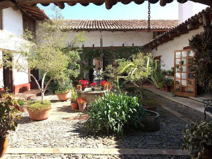 Casa Familiar Grande en el Pueblo de Tapalpa