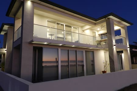 Beachfront Guesthouse Adelaide - stunning views