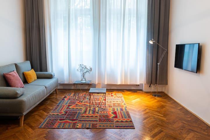 1BR Apartment - Vinohrady's heart 10 min to centre