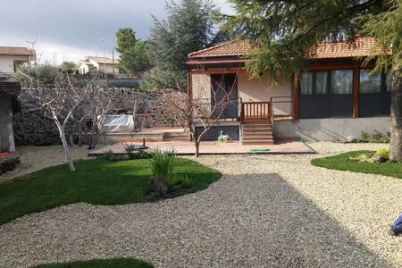 Room Ginestra on Etna - Pedara