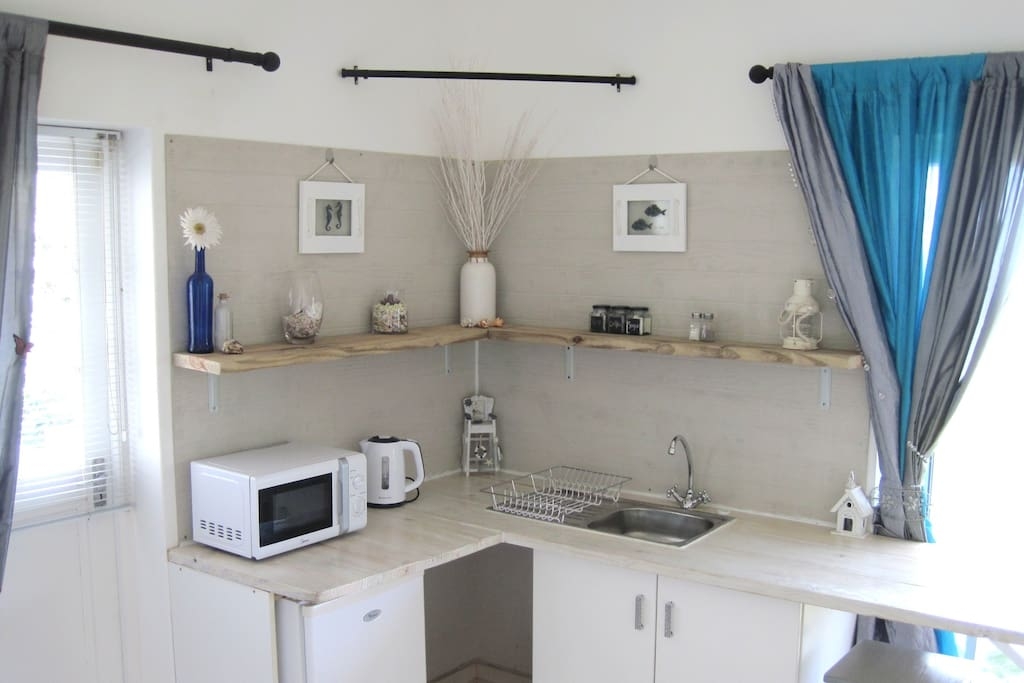 Sea Studio Kitchenette