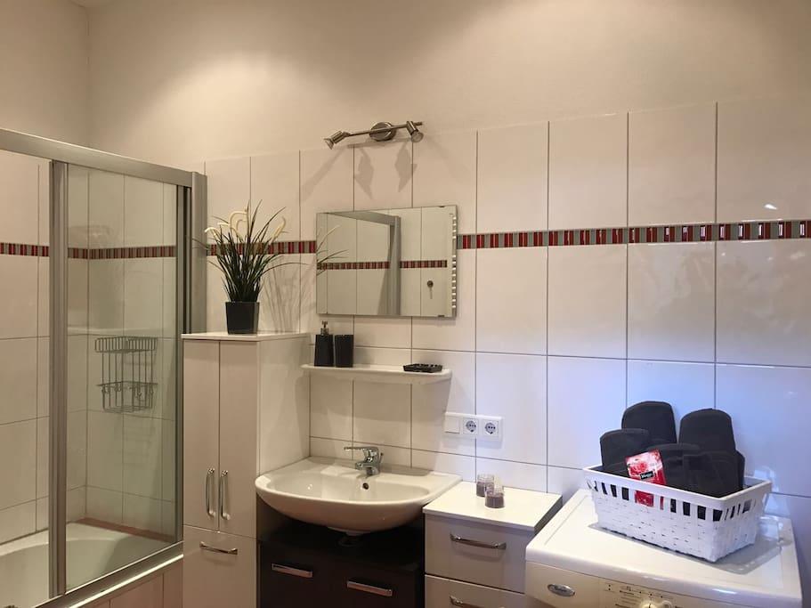 zentrale wohnung 80 qm wohnungen zur miete in fieberbrunn tirol sterreich. Black Bedroom Furniture Sets. Home Design Ideas