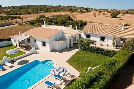 House with pool - 2 bedrooms - Odiáxere