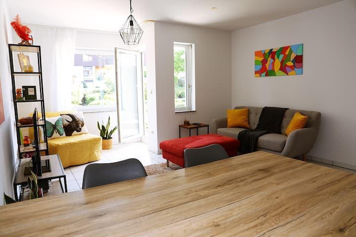 Schöne und helle Wohnung mit Balkon