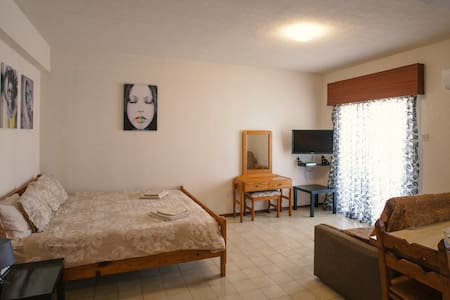 Kallithea Large Studio Apartment - Apartment