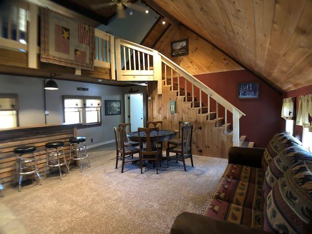 Spacious Lodge- Private Country Getaway