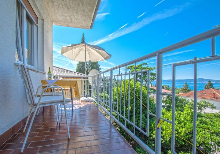 One bedroom Apartment, seaside in Crikvenica, Balcony
