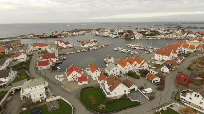 Åkrehamn, en liten by ved storhavet