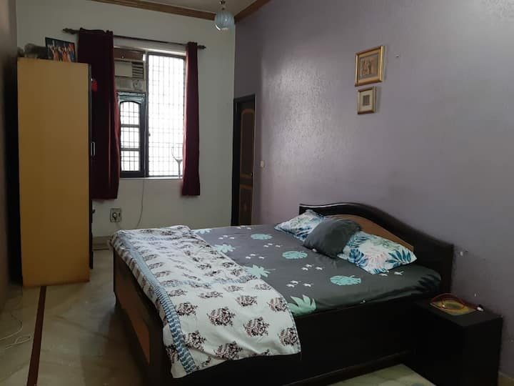 Cozy rooms in the heart of Noida