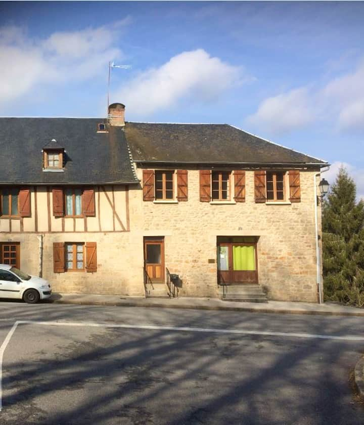 House with 2 bedrooms in Treignac, with furnished garden and WiFi