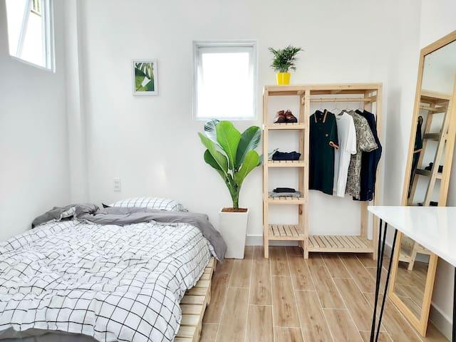[호치민] Peaceful Private Studio w/ Rooftop in Dist 3