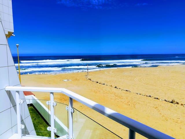 Apartment On The Beach (sleeps 4)