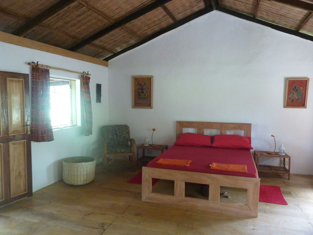 All our cabins have beautiful, hardwood floors. All beds have mosquito nets and all rooms have fans. This cabin also has a single bed.