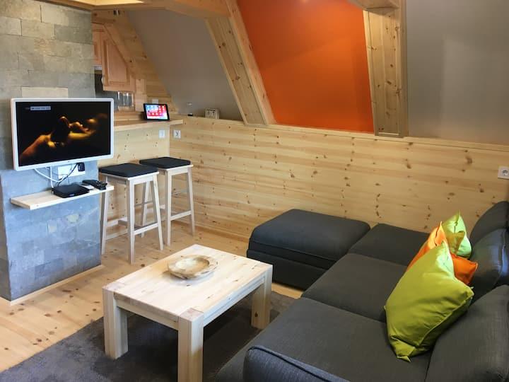 Wooden Apartman Prémium Jacuzzival