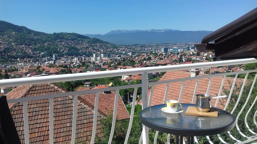 Versprochenen Blick an Sarajevo//  Jutarnji pogled na Sarajevo