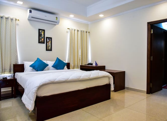 Premium Executive Room, Banjara Hil10A