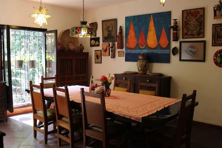Lovely Room in Good Old Coyoacan (Agave Room)