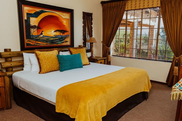 Boubou Bed and Breakfast-Southern Boubou Room