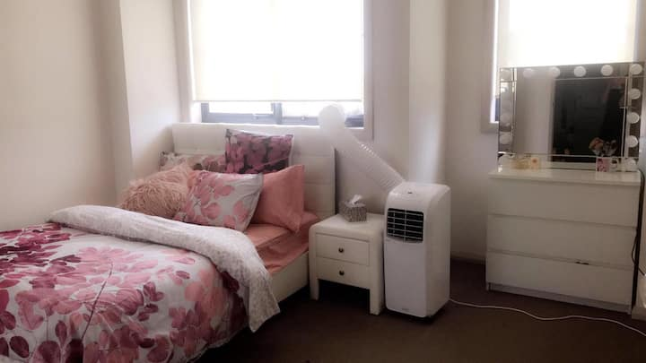 Beautiful Cosy 1 Bedroom on Homebush West