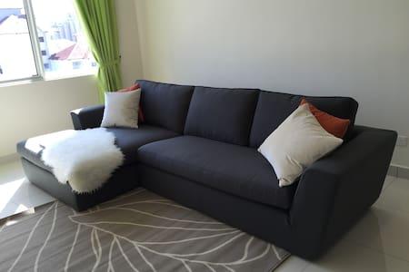 Clean, Comfortable & Convenient - Kuala Lumpur - Apartment