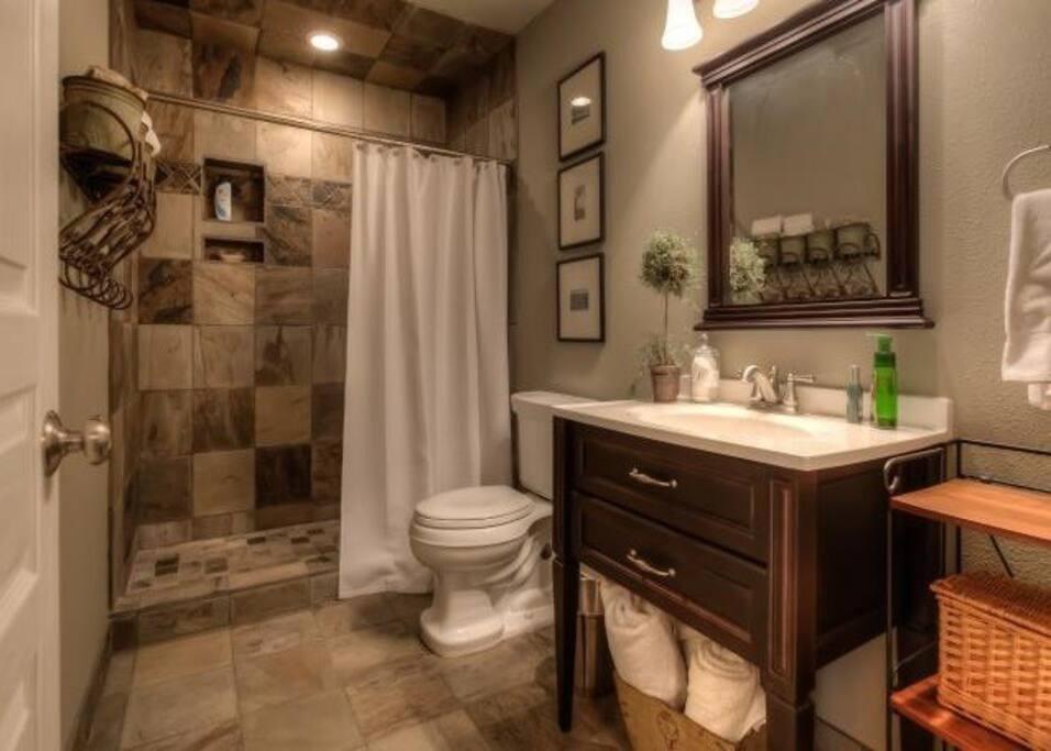 shared bath room :)