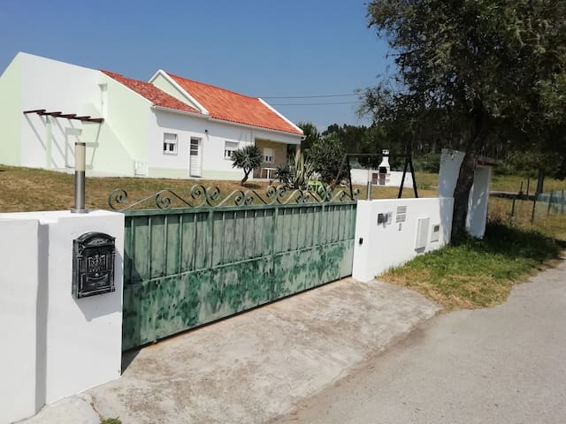 Villa Gonçalo for Holidays near the Lagoa Óbidos