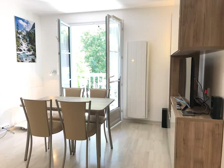 T2 +alcove, récent 4/5 pers. Parking. Balcon. Wifi