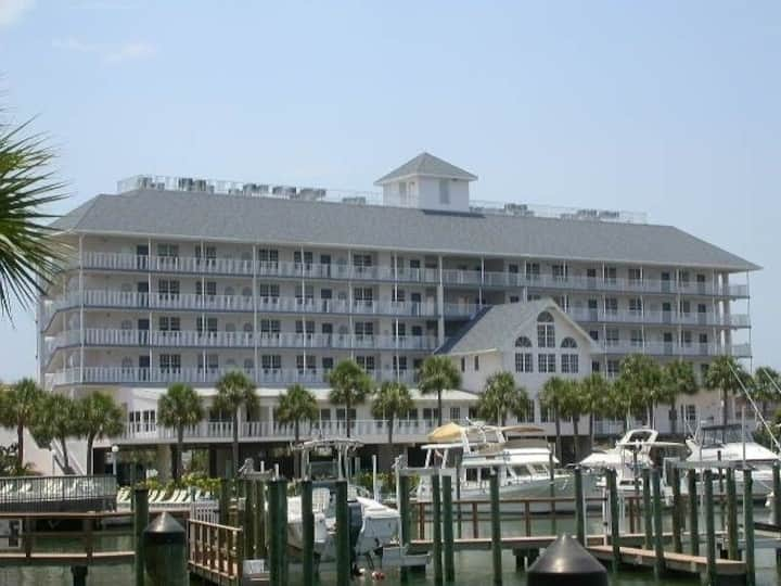 Dockside 606 Top Floor *Official Listing*